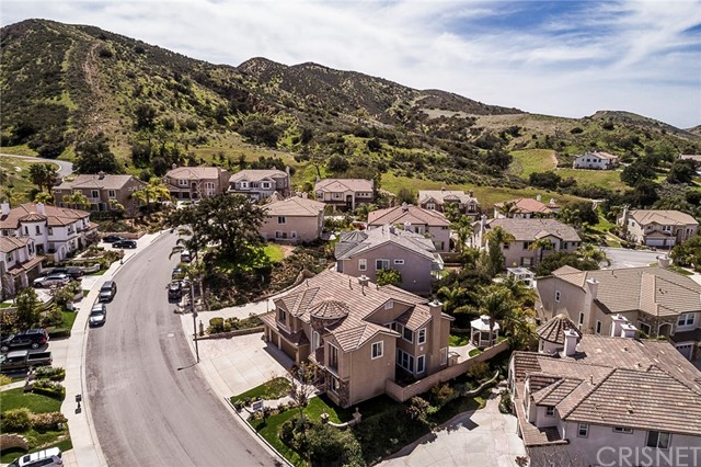 5763 Velvet Oak Court, Simi Valley CA: http://media.crmls.org/mediascn/12ca6fb7-fefc-4665-b7f9-7155e12b6038.jpg
