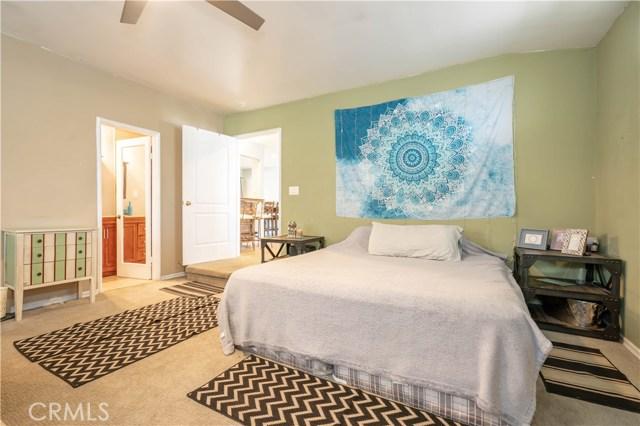 14707 Hagar Street, Mission Hills (San Fernando) CA: http://media.crmls.org/mediascn/12d09bf2-4dd0-4d10-bcc1-37d562ca0920.jpg