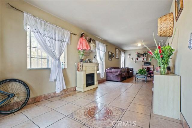 2350 S Cloverdale Av, Los Angeles, CA 90016 Photo 4