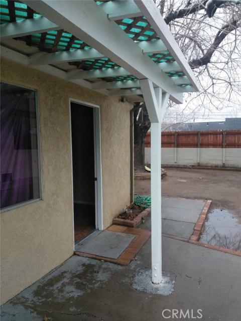 37929 11th Street, Palmdale CA: http://media.crmls.org/mediascn/134a00d0-3b7a-4618-a133-3006aa1120b2.jpg