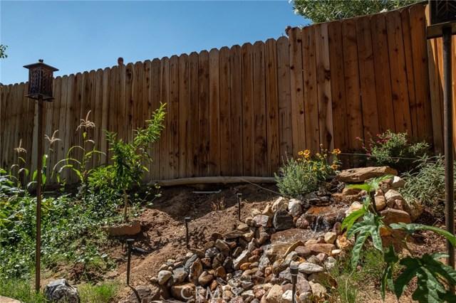 564 Conifer Drive, Palmdale CA: http://media.crmls.org/mediascn/1366056b-73ce-49a9-bd48-a6f8d1457d26.jpg