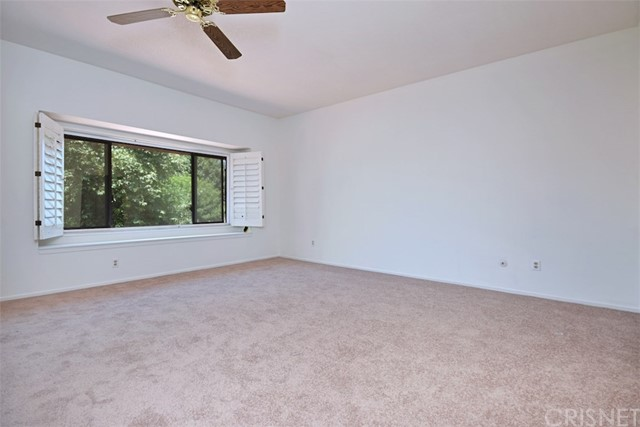 6221 1/2 Nita Avenue, Woodland Hills CA: http://media.crmls.org/mediascn/137bc8ab-5c9b-49aa-86c7-31c5c97d63e8.jpg