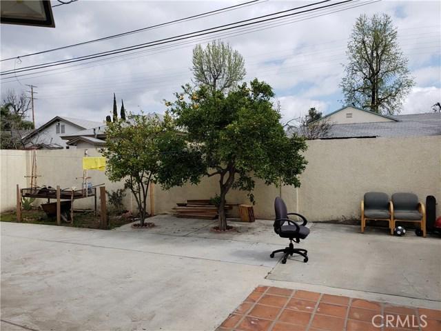 9656 Sandusky Avenue, Arleta CA: http://media.crmls.org/mediascn/1384dc4b-b872-4030-b76d-a57982fcfe09.jpg