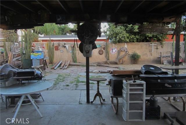 14908 Oswald Street, Sylmar CA: http://media.crmls.org/mediascn/139bd1a5-9a02-4f30-babe-14ad83a66cda.jpg