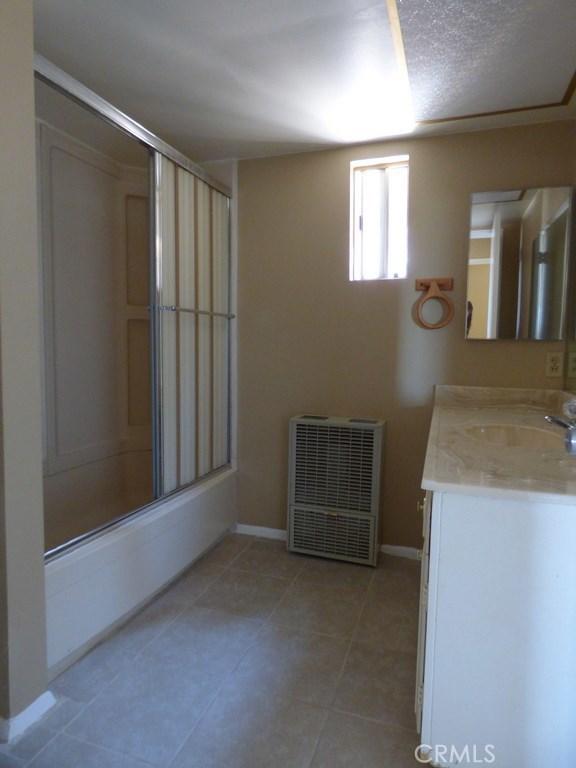 825 Buena Vista Way, Frazier Park CA: http://media.crmls.org/mediascn/13e7f176-1184-473e-8973-578c7ba007bf.jpg