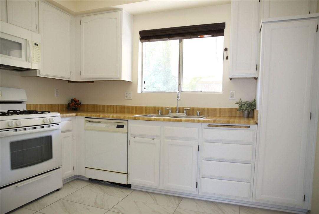 23011 Del Valle Street Unit 1 Woodland Hills, CA 91364 - MLS #: SR18200676