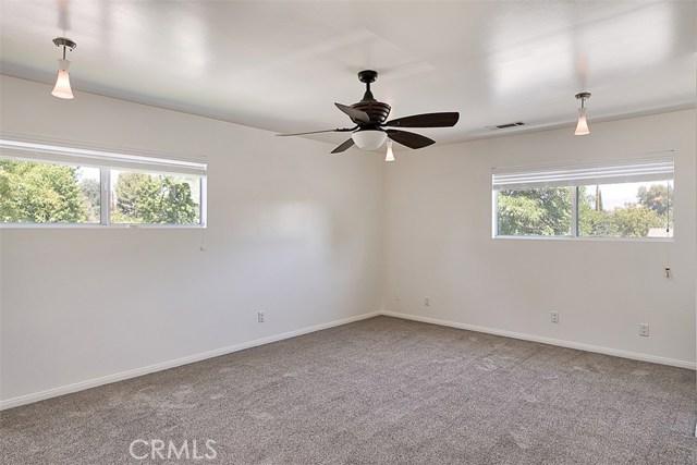 7642 Independence Avenue, Canoga Park CA: http://media.crmls.org/mediascn/1407cd95-5089-4636-908c-05cf4f1347ec.jpg