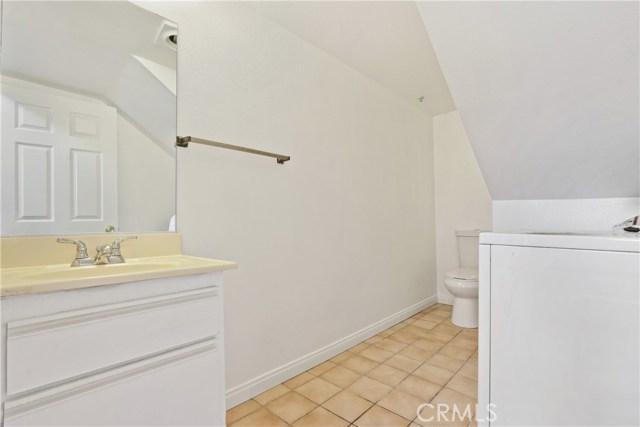 736 N Garfield Avenue, Pasadena CA: http://media.crmls.org/mediascn/140dfedf-7ee2-4374-af81-ea847dcfbd8b.jpg