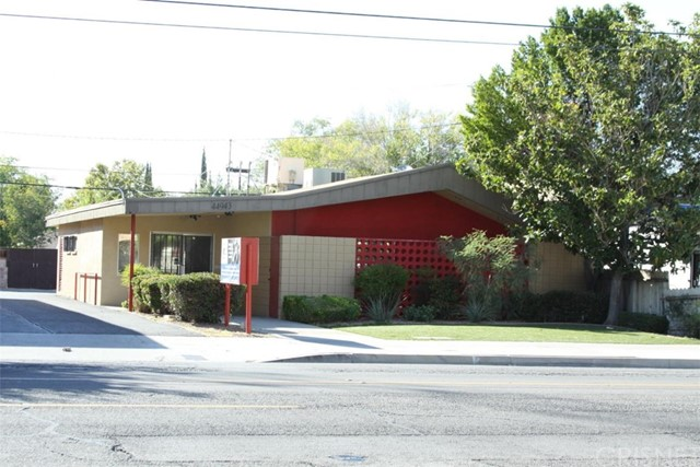 Offices for Sale at 44943 10th Street W Lancaster, California 93534 United States