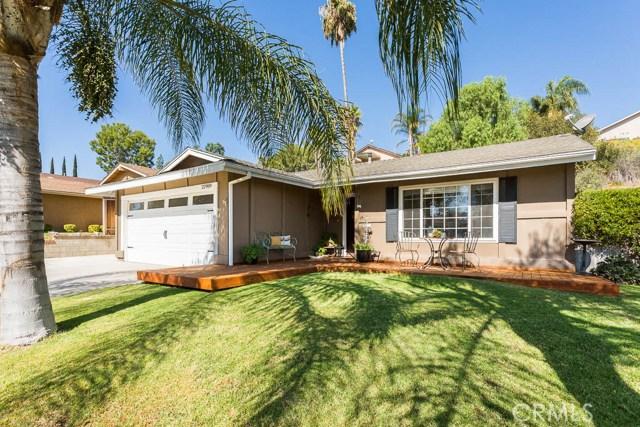 22989 Mulberry Glen Drive, Valencia CA: http://media.crmls.org/mediascn/14477213-5b5b-490a-9715-aac0e15efddb.jpg
