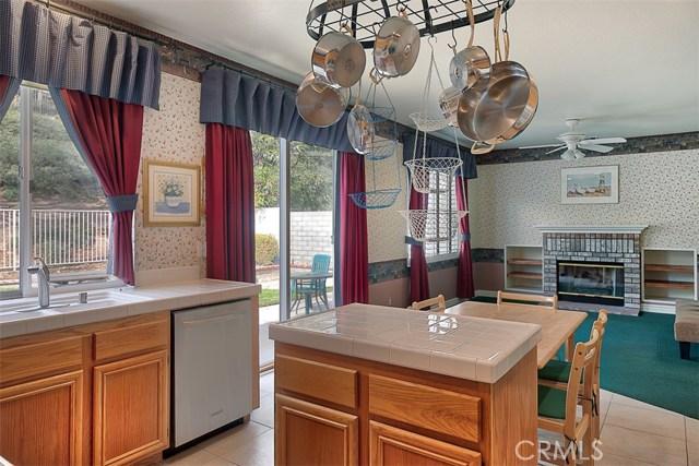 26061 Salinger Lane, Stevenson Ranch CA: http://media.crmls.org/mediascn/14a130cc-d7a0-4927-8a7c-3496c24461d5.jpg