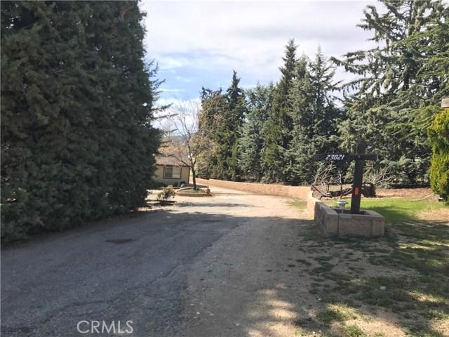 23821 Coyote Court, Bear Valley Springs CA: http://media.crmls.org/mediascn/14a70936-cbf9-4650-890c-0f41c7100dd6.jpg