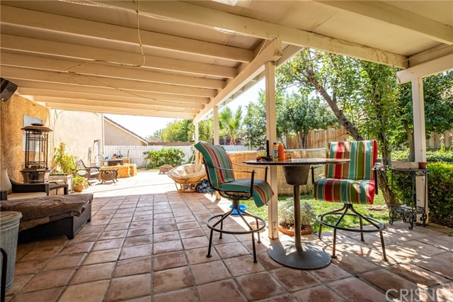 564 Conifer Drive, Palmdale CA: http://media.crmls.org/mediascn/14ae46ad-c926-434b-9552-7f1865923932.jpg