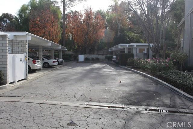 23963 Arroyo Park Drive, Valencia CA: http://media.crmls.org/mediascn/14c35c25-f5d2-4305-9d18-924d156a09e5.jpg
