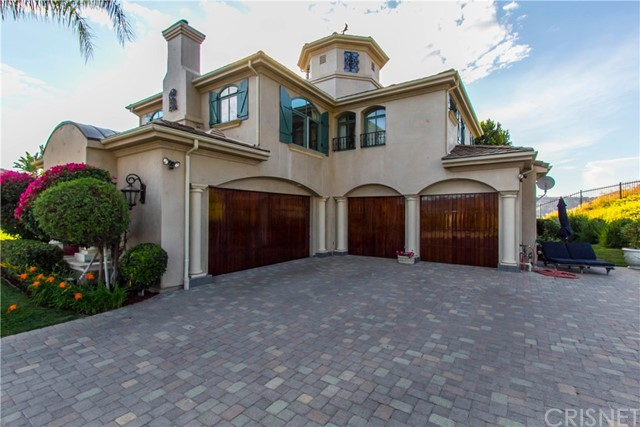 2737 Beacontree Lane, Calabasas CA: http://media.crmls.org/mediascn/14cc4c47-1e02-422b-a570-9aa20ff3be7e.jpg