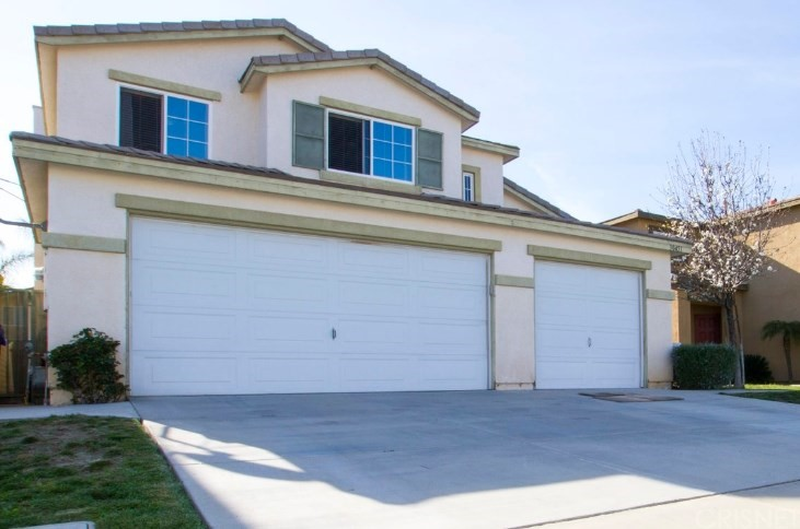 Property for sale at 30451 Marseille Place, Castaic,  CA 91384
