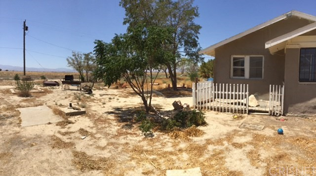 Single Family Home for Sale at 45609 65th East Street 45609 65th East Street Lancaster, California 93535 United States