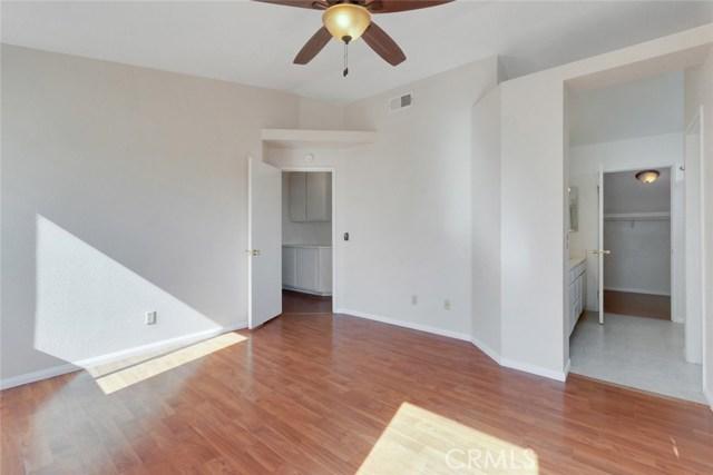 44222 Lively Avenue, Lancaster CA: http://media.crmls.org/mediascn/1542be0e-90ac-44cf-af81-59437bb8f54d.jpg