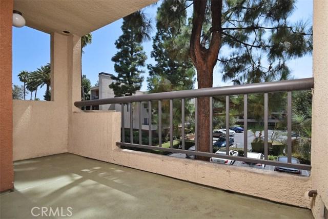 5545 Canoga Avenue Unit 202 Woodland Hills, CA 91367 - MLS #: SR18212214