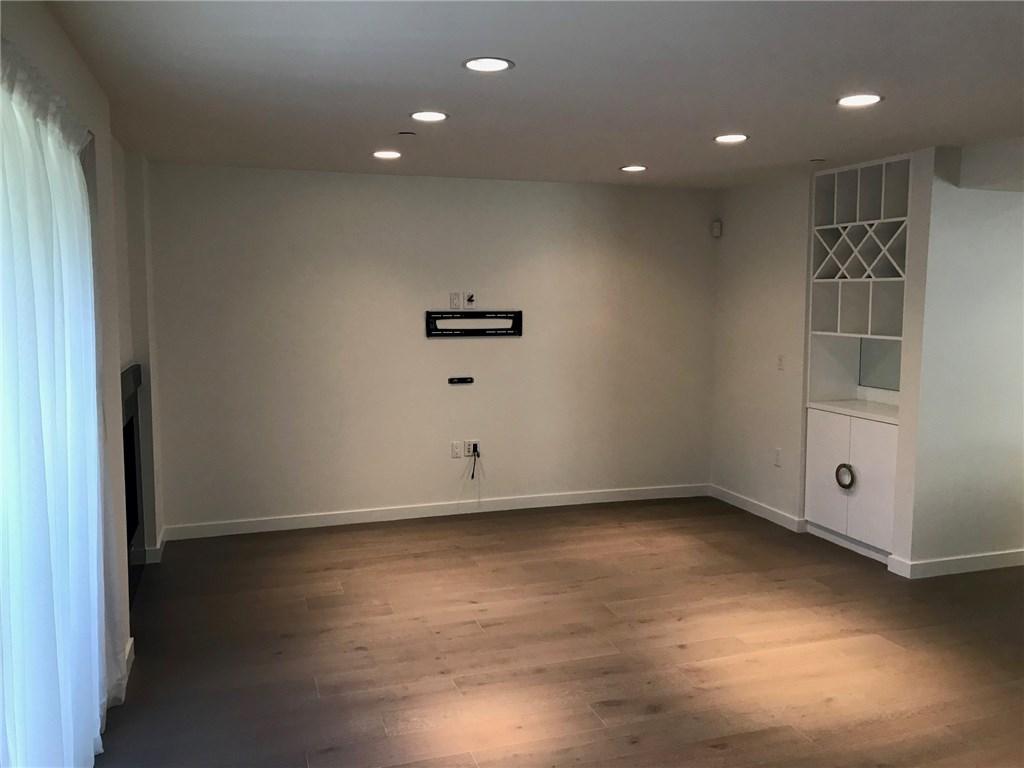 812 N Croft Avenue Unit 101 Los Angeles, CA 90069 - MLS #: SR18044459