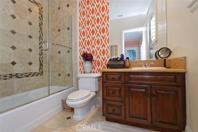 1175 San Clemente Way, Camarillo CA: http://media.crmls.org/mediascn/15db8865-01c3-463a-8651-3a0c11b8aad5.jpg