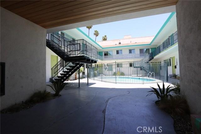 400 S Mariposa Avenue, Hollywood CA: http://media.crmls.org/mediascn/15e6eadf-f339-436f-a3d9-135c8fe00149.jpg