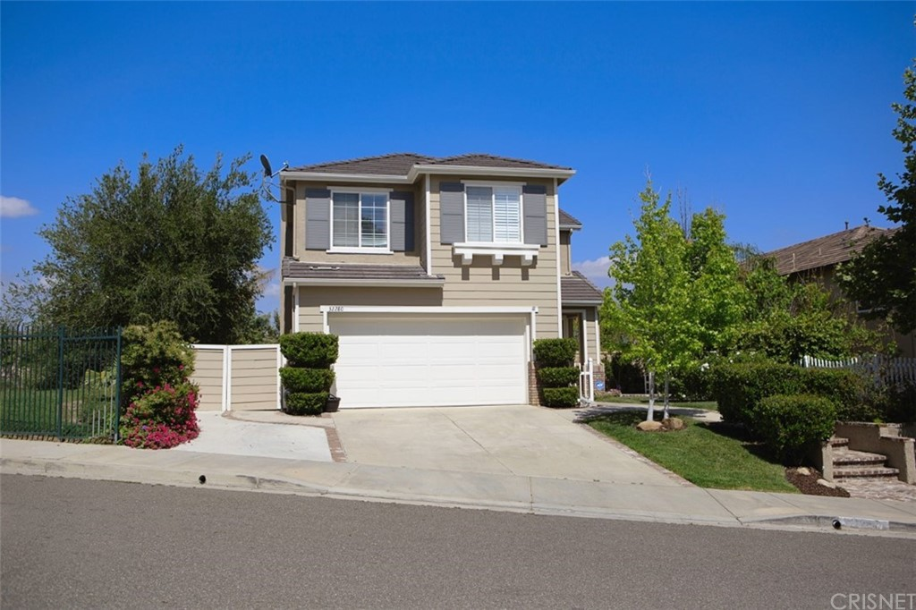 Property for sale at 32280 Big Oak Lane, Castaic,  CA 91384
