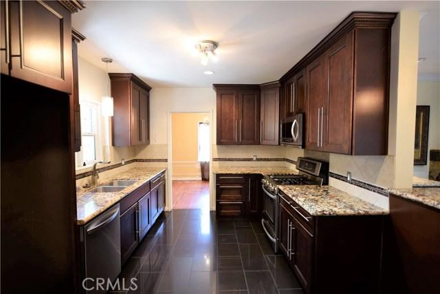 5409 Morella Avenue, Valley Village CA: http://media.crmls.org/mediascn/163a08e4-4119-4fa5-821f-e70974c9bff2.jpg