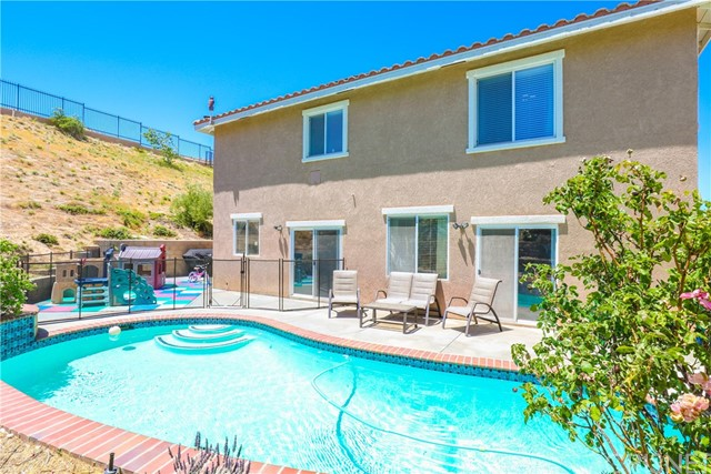 38600 Louise Lane Palmdale, CA 93551 - MLS #: SR18137729