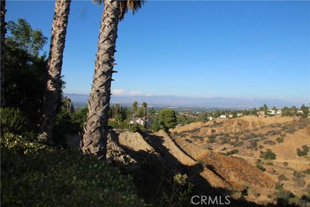 4486 Winnetka Avenue, Woodland Hills CA: http://media.crmls.org/mediascn/16745594-4be2-445b-8eb1-788c5f65b091.jpg