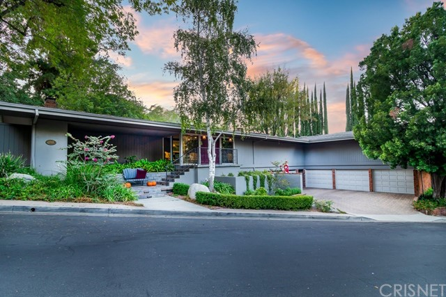4965 Queen Florence Ln, Woodland Hills, CA 91364 Photo