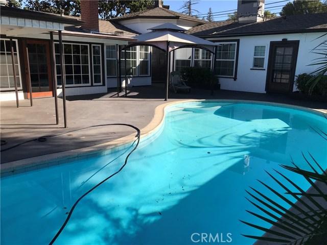 3781 Laurel Canyon Boulevard, Studio City CA: http://media.crmls.org/mediascn/16a973ff-5c5e-40b6-9a15-228c00001812.jpg