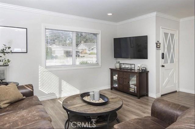 11700 Gerald Avenue, Granada Hills CA: http://media.crmls.org/mediascn/16ad4849-cad8-4ef1-b3b3-4d8cf2973975.jpg
