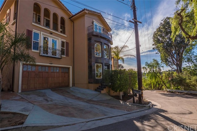 Single Family Home for Sale at 4610 Bedel Street 4610 Bedel Street Woodland Hills, California 91364 United States