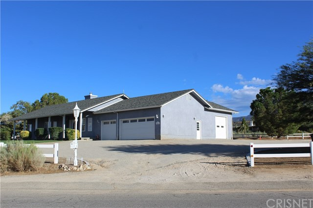 Single Family Home for Sale at 32160 Crystalaire Drive 32160 Crystalaire Drive Llano, California 93544 United States