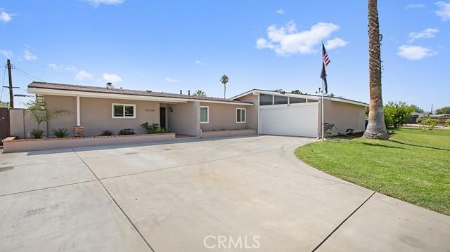 20338 Itasca Street, Chatsworth CA: http://media.crmls.org/mediascn/17170836-68e2-4af0-a40a-dd7a2b3fed40.jpg