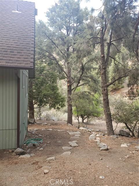2056 Woodland Drive, Pine Mountain Club CA: http://media.crmls.org/mediascn/1722e1a8-6bcd-469e-ba2f-745e8609167a.jpg