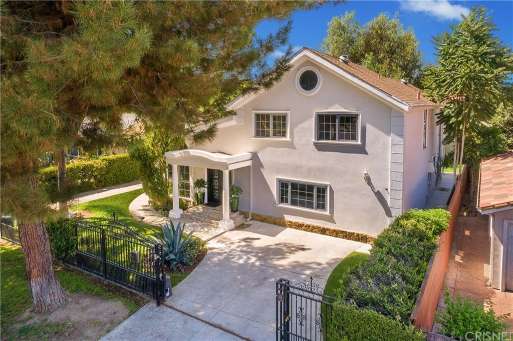 Photo of 4485 MATILIJA Avenue, Sherman Oaks, CA 91423