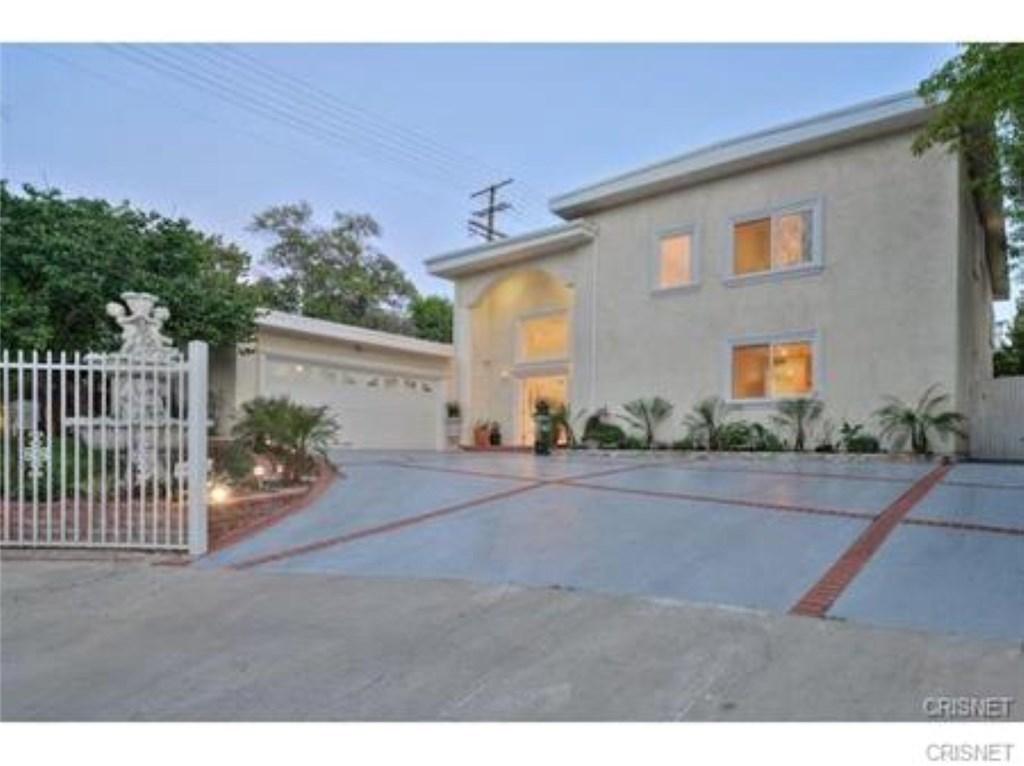 Property Listing: 22400 Sylvan StreetWoodland Hills
