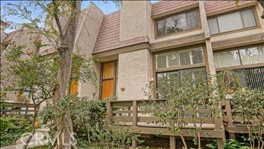 Photo of 9000 VANALDEN AVENUE #151, Northridge, CA 91324
