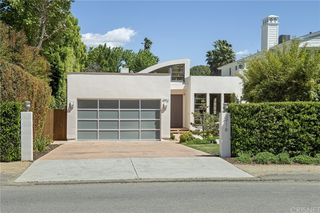 Photo of 4916 GAVIOTA AVENUE, Encino, CA 91436