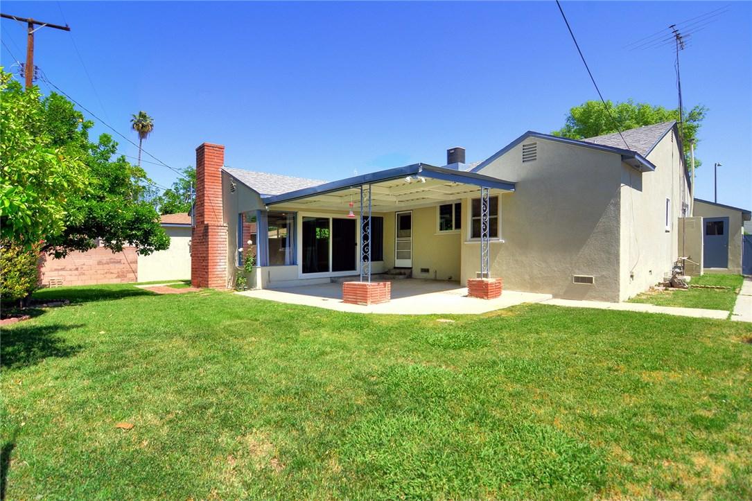 6531 Hanna Avenue, Woodland Hills CA: http://media.crmls.org/mediascn/18202ce8-5c3d-422c-b73d-99a001141067.jpg