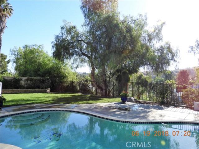 22906 Sycamore Creek Drive, Valencia CA: http://media.crmls.org/mediascn/18316ade-9d78-4277-b2bf-458a3dc8320e.jpg