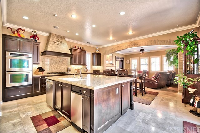 Single Family Home for Sale at 13209 Shadow Wood Place Moorpark, California 93021 United States
