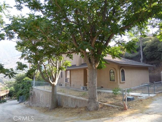 825 Buena Vista Way, Frazier Park CA: http://media.crmls.org/mediascn/18502039-4f80-4ebc-b383-8f57ba0addfa.jpg
