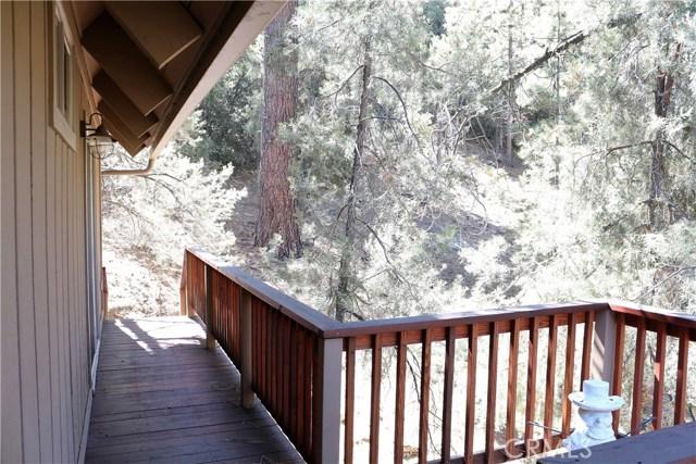 1420 Bernina Drive, Pine Mtn Club CA: http://media.crmls.org/mediascn/1872b85e-cb0f-4582-bb2b-37b7bf4b8fa2.jpg