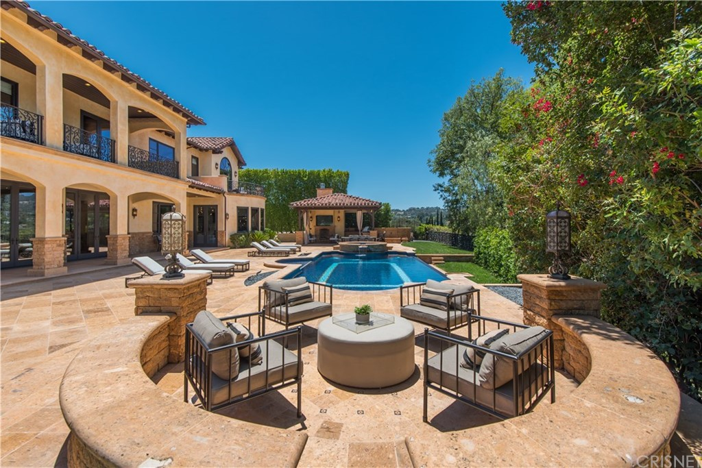 Photo of 4349 CLEAR VALLEY Drive, Encino, CA 91436