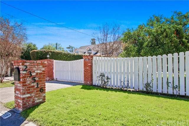 Photo of 23516 Hatteras Street, Woodland Hills, CA 91367