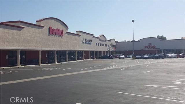 17955 Ventura Boulevard, Encino CA: http://media.crmls.org/mediascn/19091b2f-7bc5-4e70-9740-f5988fa85d9d.jpg