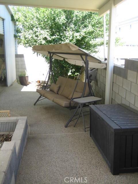 301 72nd W Street, Rosamond CA: http://media.crmls.org/mediascn/193f80f6-5dfe-4f30-9a2e-5064cb655a2d.jpg